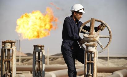 Petrolio ekoizpena izoztea adostu dute Saudi Arabiak, Errusiak, Venezuelak eta Qatarrek