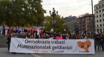 TTIP akordioaren aurka, NATOri buruzko erreferendumaren urteurrenean
