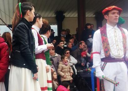 Luzaideko Bolant egunean emakumeen parte hartzea zein izan behar den erabakitzeko galdeketa egingo da