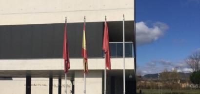 Eguesibarko Udalak Europar Batasuneko bandera kendu du errefuxiatuengatik