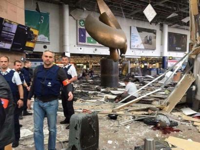 34 hildako eta ehundik gora zauritu izan dira Bruselako atentatuetan