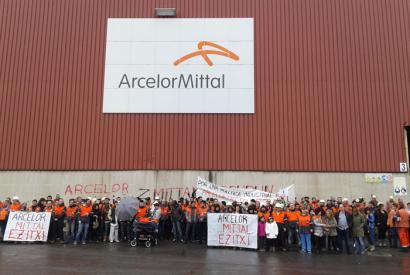 Zumarragako lantegia ixteko erabakia berretsi du Arcelor Mittalek