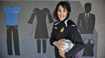 Izaro Antxia, areto futboleko partida ofizial bat jokatuko duen lehen jokalari transexuala