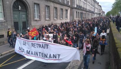 Istiluak izan dira Parisen, lan erreformaren aurkako manifestazioan