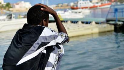 Ehunka errefuxiatu itota Mediterraneoan, Lampedusako tragediaren urteurrenean