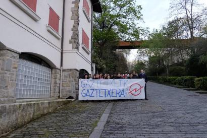 Ekainaren 18an lekualdatuko dute Iru�eko gaztetxea Caparrosoko txaletera