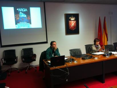 Lopezek Mozal Legea ez aplikatzeko konpromisoa eskatu dio Nafarroako Gobernuari