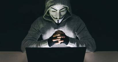 Anonymous-ek Espainiako 5.000 poliziaren datuak argitaratu ditu
