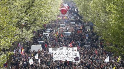 Istilu gogorrak Parisen lan erreformaren aurka orain arteko manifestaziorik jendetsuenean
