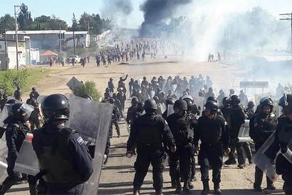 Gutxienez zortzi irakasle hil ditu Mexikoko poliziak, hezkuntza erreformaren aurkako protestan