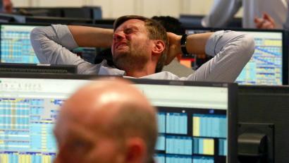 Burtsek hiru bilioi dolarreko kapitalizazioa galdu dute Brexit osteko bi egunetan