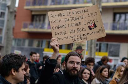 Jendetza bildu da Parisko Bastilla plazan, lan erreformaren aurkako protestan