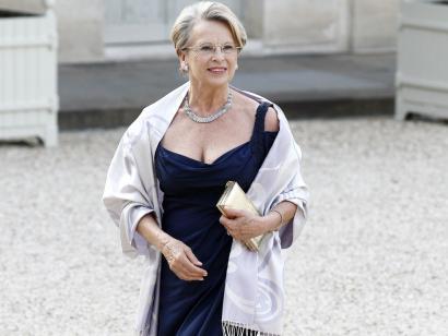 """Michèle Alliot-Marieren enpresa Panamako """"offshore"""" elkarte batekin nahastuta"""