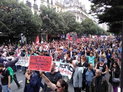 Frantziako Gobernuak dekretu bidez onartu du Lan Erreforma, mobilizazio artean