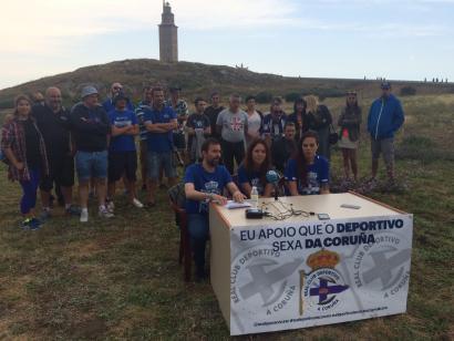 """Deportivo taldearen armarrian """"A Coru�a"""" agertzeko kanpaina"""