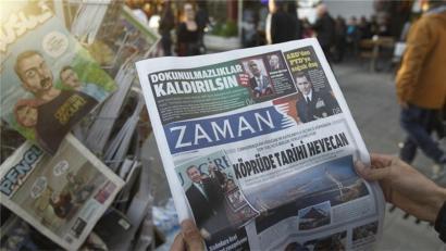Turkiako gobernuak 130 komunikabide baino gehiago itxiarazi ditu