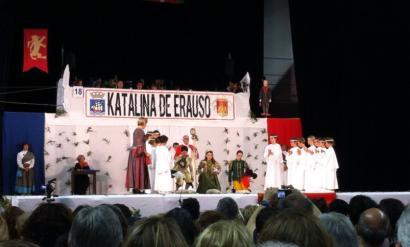 Katalina de Erauso Pastorala ikusgai Donostian eta kabalkada-antzerki herrikoia Makean