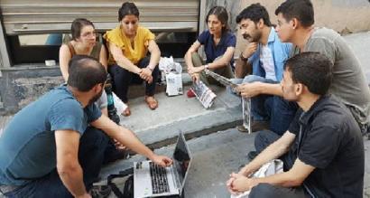 Istanbulgo sarekadan atxilotutako 22 kazetarik elkartasun deia zabaldu dute