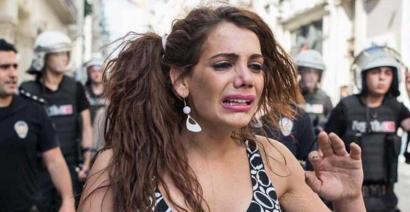 Hande Kader ekintzaile transexuala hil dute Istanbulen