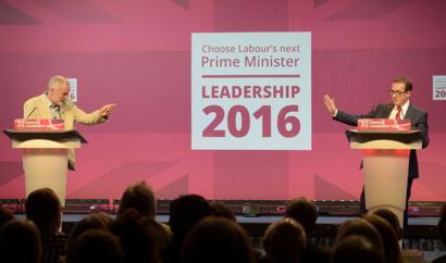 Corbyn eta Smithen artean hautatuko dute laborista britainiarrek, zatiketaren arriskupean