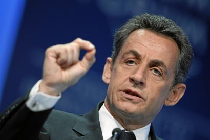 Nicolas Sarkozy presidente ohiaren itzulera burrunbatsua