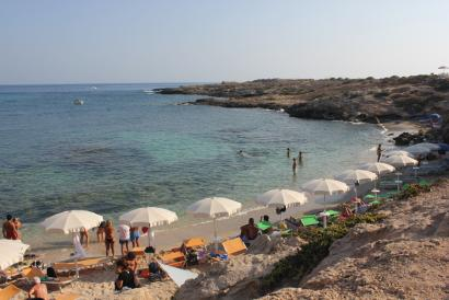 Lampedusan turismoa bizitzaren gainetik