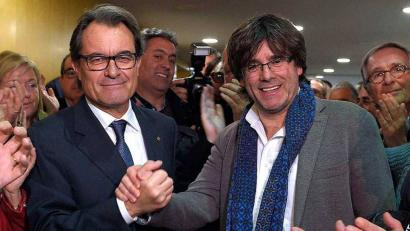Aldebakarreko erreferenduma, Puigdemont eta Masen desberdintasunak