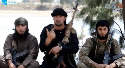 Estatu Islamiarraren buru militar berria Tajikistangoa da eta AEBetako militarrekin entrenatua