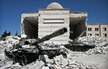 Tiroketak eta misil jaurtiketak Siriako su-eteneko lehen orduetan, baina hildakorik ez