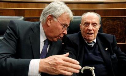 Euskal Herrian gerra zikina erabili zutela aitortu du hitzerdika Felipe Gonzalezek