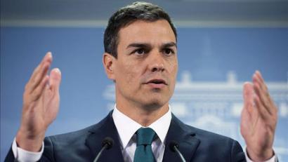 Elkarrizketara deitu dute PSOEko hainbatek, biltzarrera bi bando aurkaritan joan ez daitezen