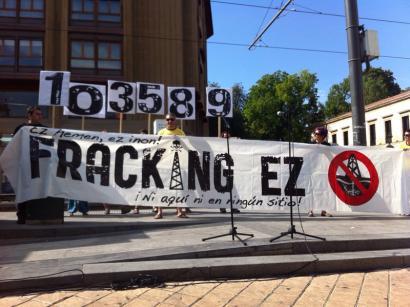 Frackingaren aurkako EAEko legearen behin-behineko debekua kendu dute