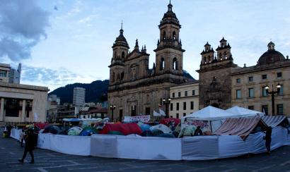 Bakearen Aldeko Kanpamentuak bi aste egin ditu Bogotako Bolivar plazan