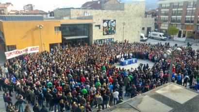 Deialdi masiboa Altsasun datorren larunbaterako atxiloketen aurka deitu duten manifestaziora