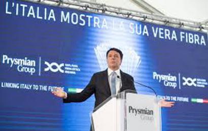 Matteo Renziren azken 'oparia' erreferenduma galdu aurretik: 8 erraustegi berri baimendu ditu