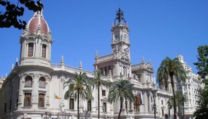Hiru sindikatuk adostu dute Valentziako 190.000 funtzionariori katalanez jakiteko eskatzea