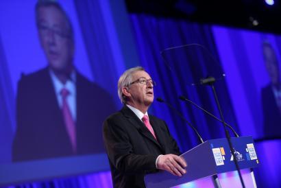 Zergak saihestearen aurkako EBko politikak blokeatu zituen Junckerrek