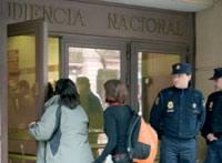 Bi lagun Espainiako Auzitegi Nazionalera sartzen