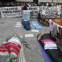Langabetuen asanbladak Barakaldon egindako parodia, bazterketa soziala eta pobreziaren kontra protestatzeko.