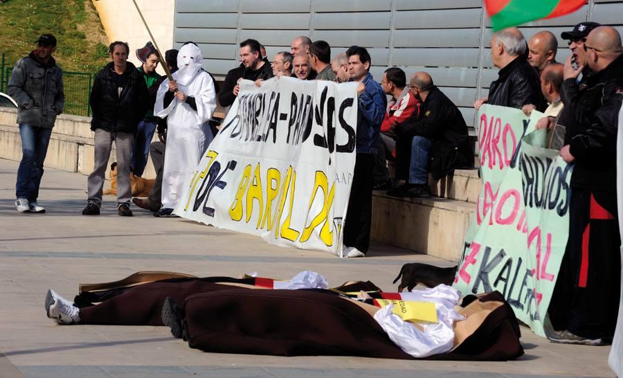Barakaldoko Berri Otxoak elkartearen protesta.