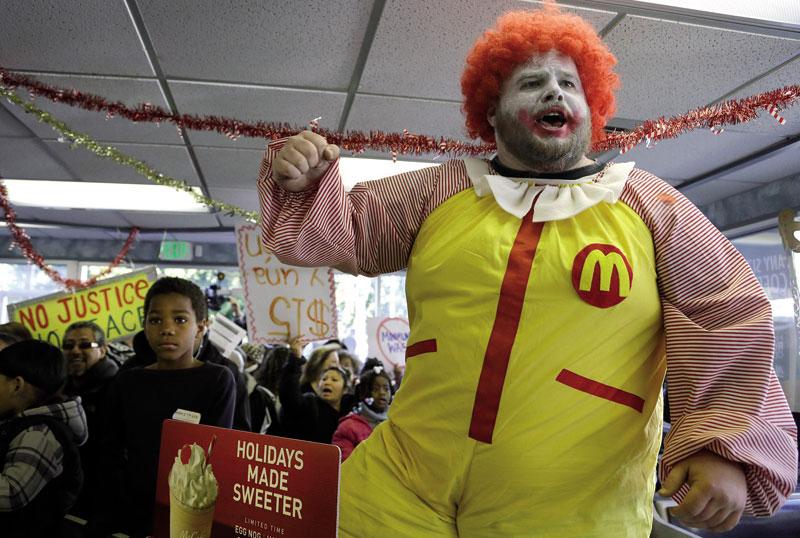 AP agentziarentzako Ben Margotok egindako argazkian, abenduaren 5ean Kaliforniako Oaklandeko McDonald
