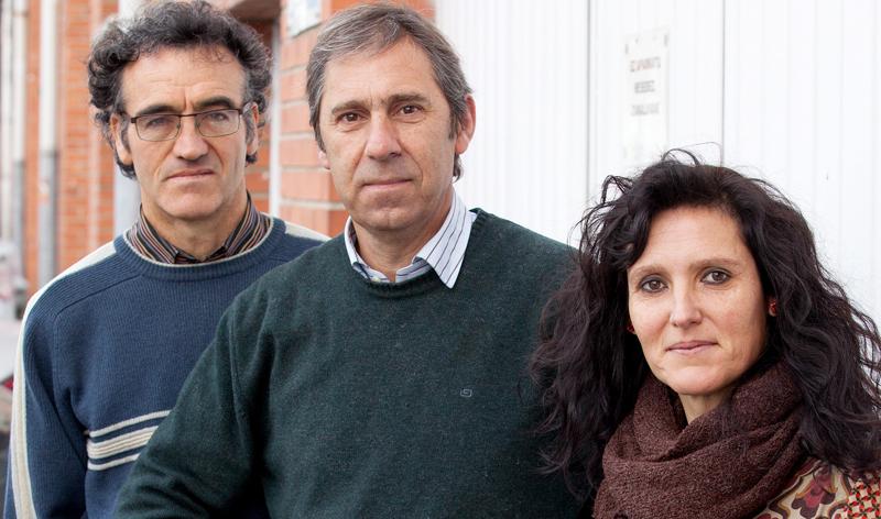 Ezker eskuin, Luis Mari Zulaika, Jose Manuel Gonzalez Aramendi eta Dorleta Ugalde mahaikideak.