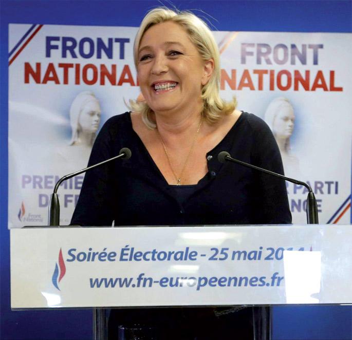 Marine Le Pen, Front Nationaleko buruzagia. Alderdi horrek Frantzian duen arrakasta, Europa osoan gertatuko denaren iragarpentzat jo dute askok.
