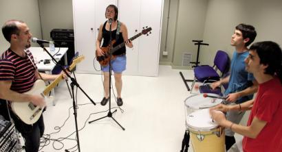 Iru�erriko musikariak euskararen alde