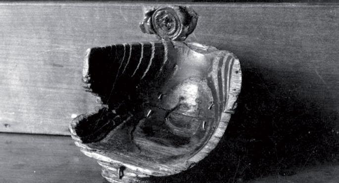 Uztaileko bigarren astean Nanteos Kopa lapurtu zuten Ingalaterran. Adituek XV. mendekoa dela diote eta, beraz, mirariak mirari, ez dirudi Jesusek azken afarian erabilitako kaliza denik.