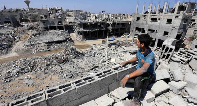 Mohammed Asadek eginik APA images zerbitzuak hedatutako irudiak erakusten du Gaza iparrean dagoen Beit Hanoun nola zegoen abuztuaren 13an. Egun batzuk lehenago Israelgo armadak jakinarazi zuen bere