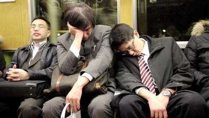 Langilea hil da karoshiak itota: Japoniako epidemia