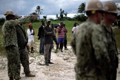 Ebolaren mehatxua: sustraiak ekologian, adarrak geopolitikan
