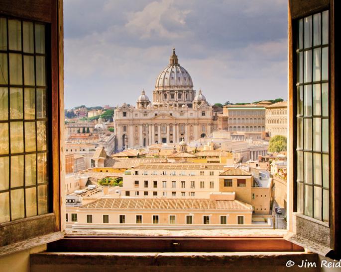 San Pedro basilikaren kupula, Vatikanoko muinoaren buru. Vatikanoa Eliza Katolikoaren sinboloa eta bihotza da, baina jainkosa pagano baten izena du.
