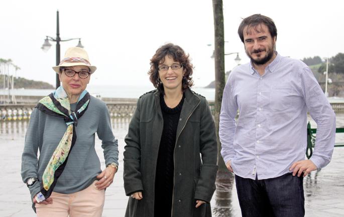 Ezker-eskuin: Begoña del Teso, Ane Muñoz eta Aitor Arregi, Lekeitioko Euskal Zine Bileran.